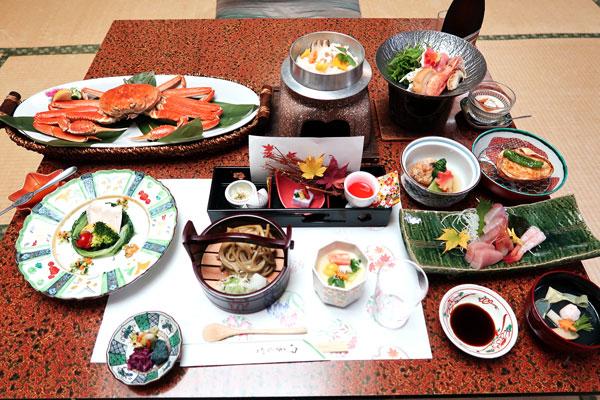 ホテル古賀乃井:コンパニオン宴会・グレードアップ料理カニ