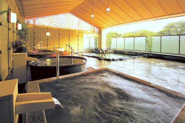 ホテル浜とく・露天風呂